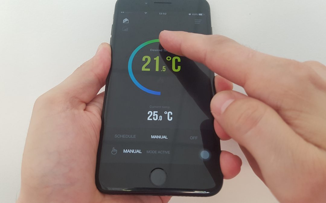 Έλεγχος της θέρμανσης και του ζεστού νερού χρήσης από απόσταση μέσω smartphone.